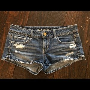 American Eagle Outfitters Women's Shorts - size 4